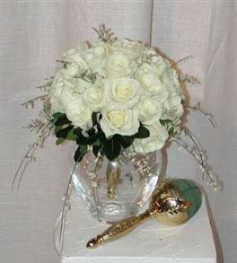 An Elegant White Rose (Round) with a Gold Handle
