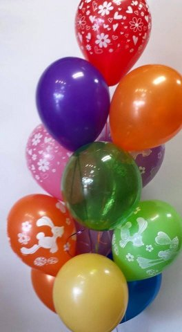 0 a balloon bouquet, all latex balloons