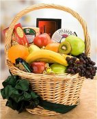 1 Fruit & Cracker gift Basket