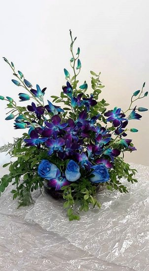 1 1 a Blue Orchids with blue roses - Click Image to Close