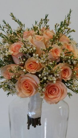 1 bridal bouquet peach versillia roses