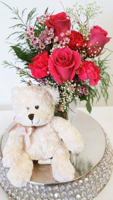 1 1 a Bear Hug With Pink Roses
