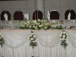 Head table decorating