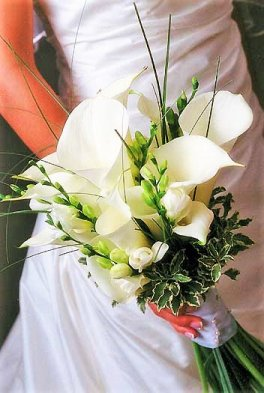 1 A bridal bouquet, callas, freesia, white