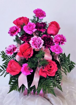 1 1 A Carnations Roses in Pinks Purple
