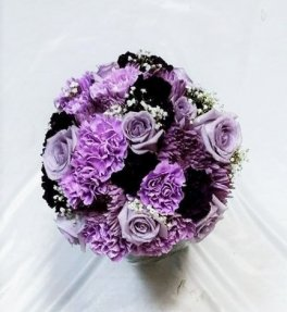 brides bouquet Purple mauve roses nosegay
