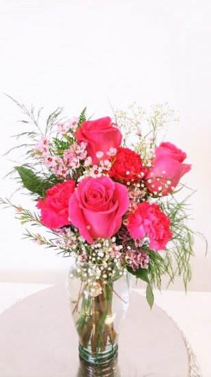 1 1 a Bear Hug With Pink Roses - Click Image to Close