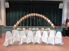 balloon arch & flowers decorating